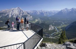 Banff Gondola 9, Family Banff Skywalk