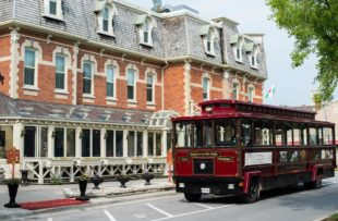 Wine Trolley Tour - Canadvac