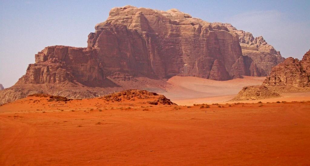 Mountain_in_Wadi_Rum,_Jordan_wiki