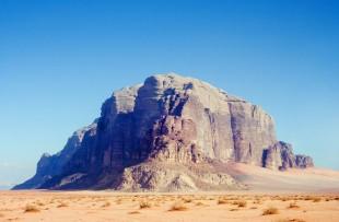 Wadi_Rum_Monument_Wiki
