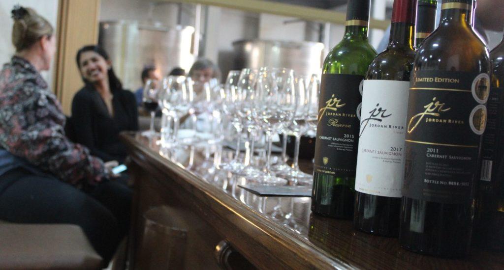 Wine tasting (Large)